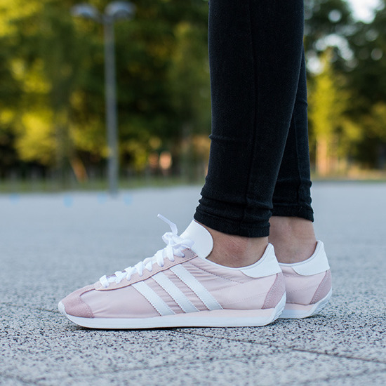 Femme chaussures sneakers adidas Originals Country OG S32200