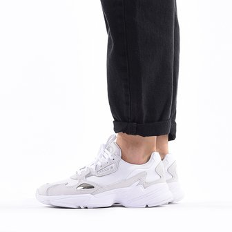 Baskets femme adidas Originals Falcon B28128