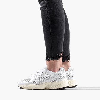 newest 4f926 8753e adidas Originals Falcon Alluxe W DB3357