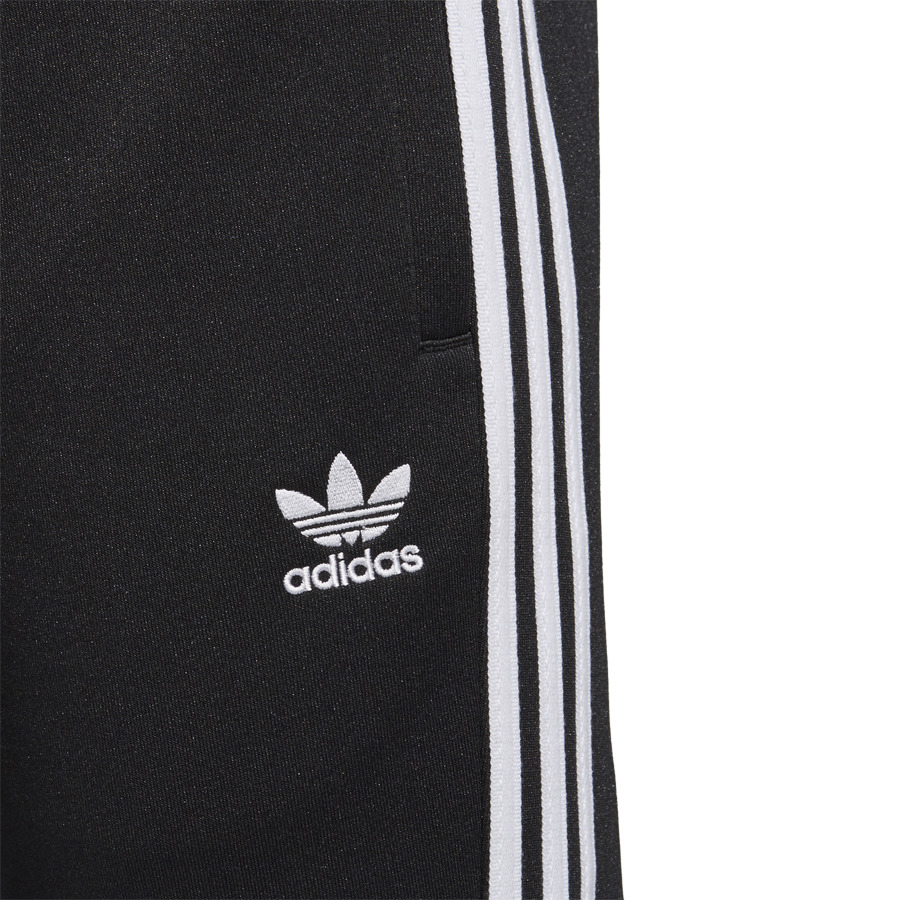 pantalons homme adidas originals adicolor cw1275 sneakerstudio. Black Bedroom Furniture Sets. Home Design Ideas