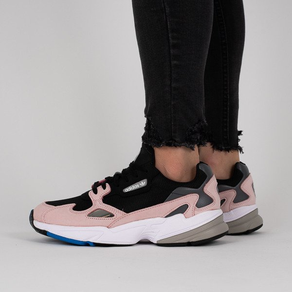 bas prix e736e 78ebb Baskets femme adidas Originals Falcon B28126 -SneakerStudio