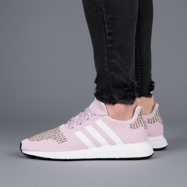 ... Baskets femme adidas Originals Swift Run W CQ2023 ...