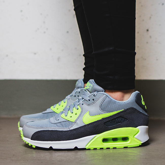 competitive price 162f6 fc1d6 Buty damskie Basketsy Nike Air Max 90 Essential 616730 616730 616730 022  628a38