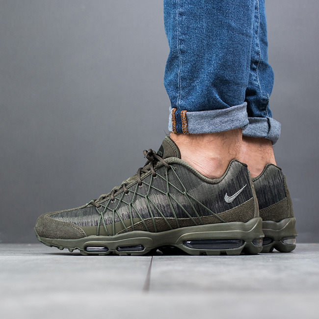 16c95158c02 ... Chaussures basketes homme Nike Air Max 95 Ultra Jacquard 749771 301 ...