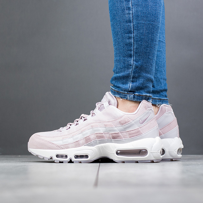 new style d1b09 7c9ca Chaussures baskets femme Nike Air Max 95 LX AA1103 600 .