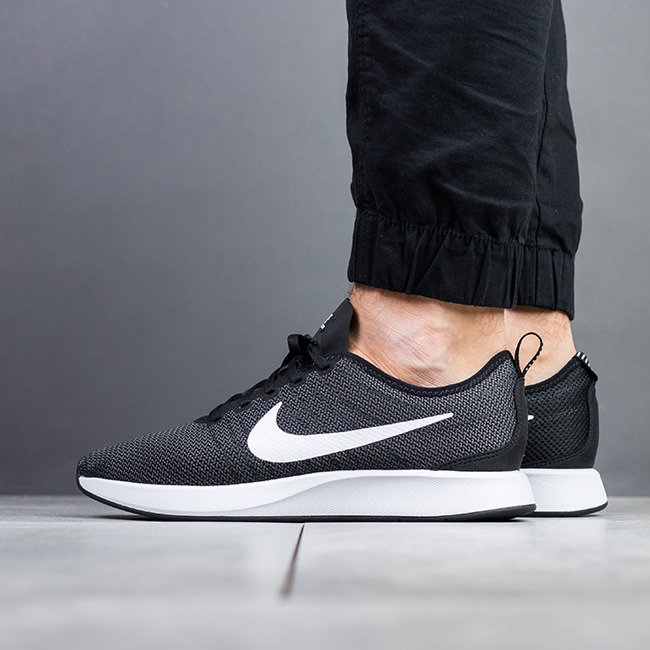 the best attitude ad6bf f4c0f ... Chaussures baskets homme Nike Dualtone Racer 918227 002 ...