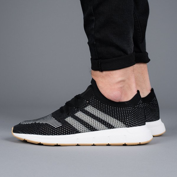 multiple colors many styles newest Chaussures baskets homme adidas Originals Swift Run Primeknit CQ2891