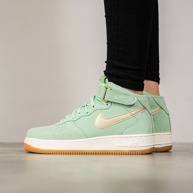 ... Femme chaussures sneakers Nike Air Force 1 07 Mid Seasonal 818596 300 ...