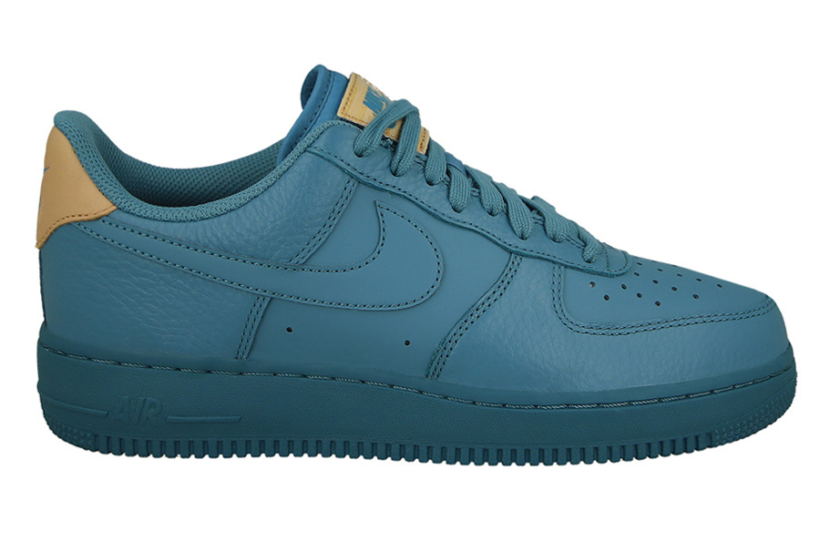 new product 8dfec 28f85 ... Homme chaussures sneakers Nike Air Force 1 07 LV8 718152 017 ...