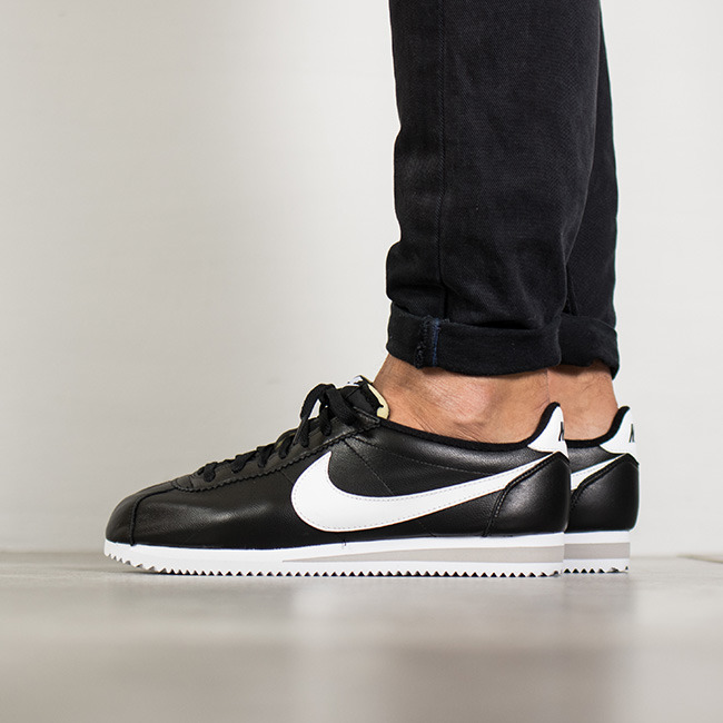 timeless design 46a75 078fc ... Homme chaussures sneakers Nike Classic Cortez Premium 807480 010 ...