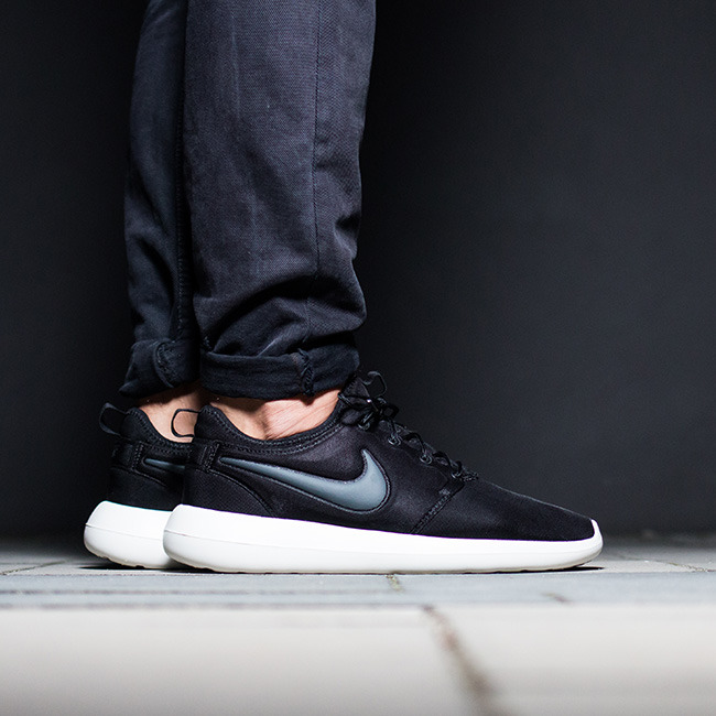 ... Homme chaussures sneakers Nike Roshe Two 844656 003 ...