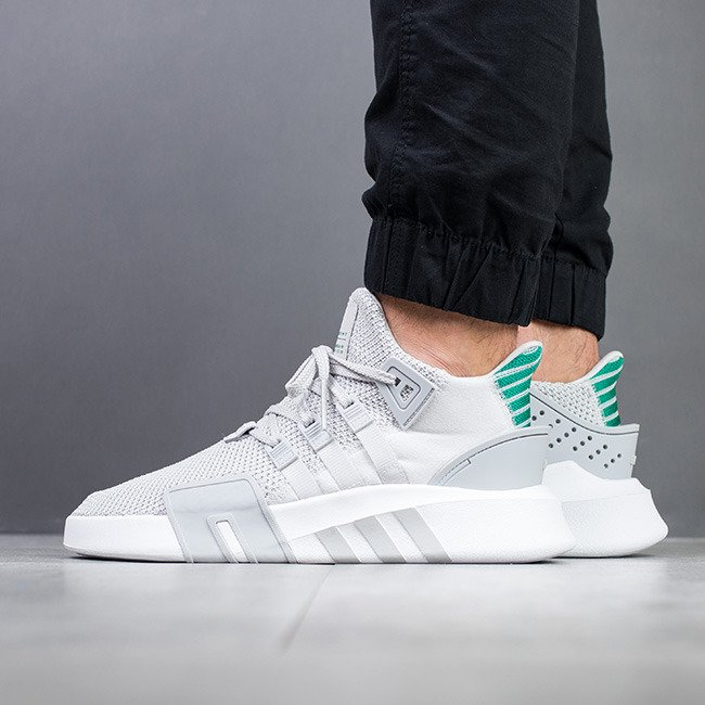 Chaussures Adidas EQT Bask grises Fashion homme 41  36 EU Chaussures automne à bout rond roses Casual femme Chaussures Adidas Stan Smith blanches Casual femme HhcGuvA