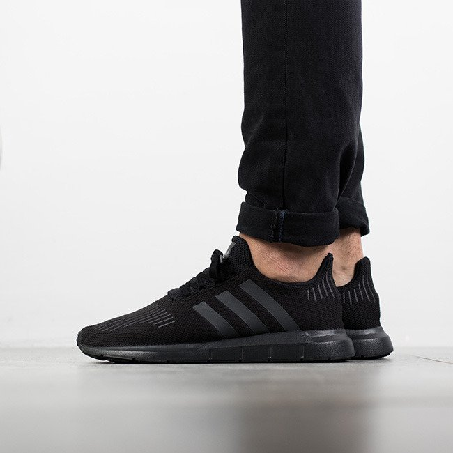new product fae11 abc25 Originals Homme Run Sneakers Cg4111 Chaussures Adidas Swift q4ntwZ48