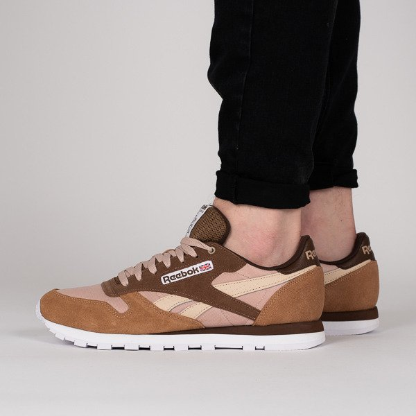 competitive price d1b25 6f220 ... Reebok Classic Leather x Montana Cans Color System CM9610 ...