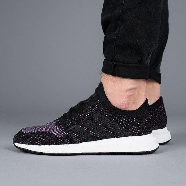 adidas Originals Swift Run Primeknit Baskets Noir CQ2894