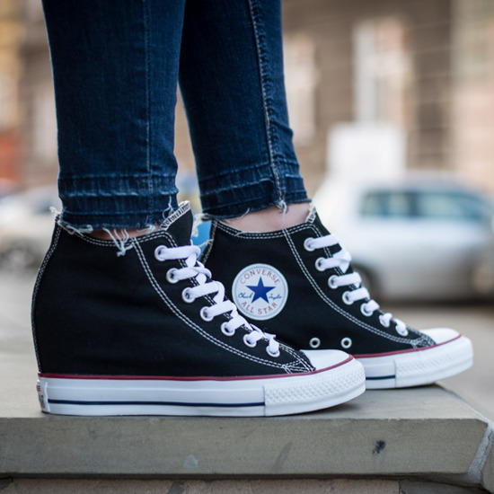 BUTY CONVERSE CHUCK TAYLOR KOTURNY  LUX 547198C