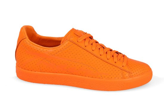 Chaussures homme sneakers Puma Clyde Perforated Trapstar 364714 02
