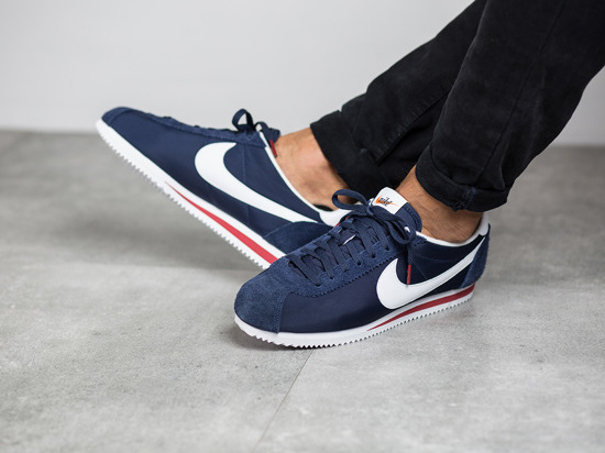 Homme chaussures sneakers Nike Classic Cortez Nylon Premium 876873 400